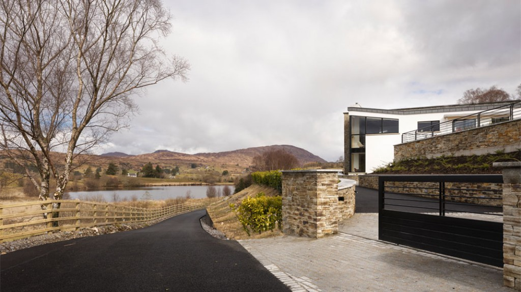 11_McCabe_Architects_Donegal_Home_Cullionboy_Lough-Craig